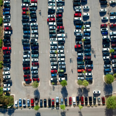 gepensioneerde parkeerbegeleider
